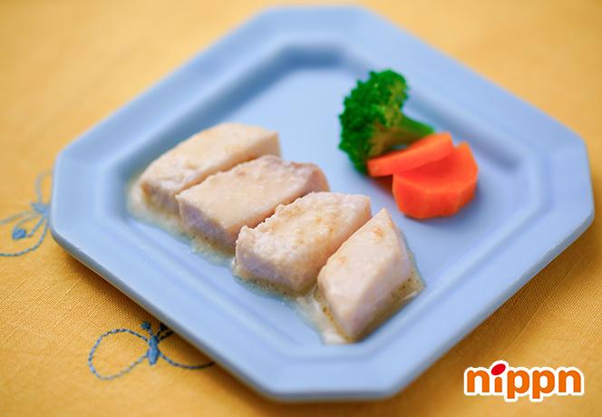 白身魚のアマニ油入りマヨネーズレンジ蒸し